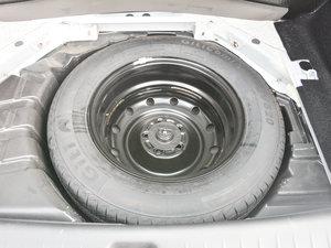 2017款1.6L CVT豪华型 备胎