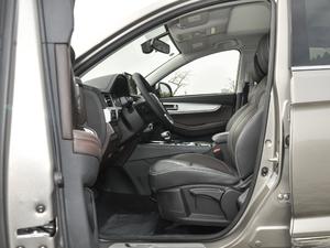 2018款1.5T CVT基本型 前排空间