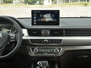 2018款1.5T CVT基本型 中控台