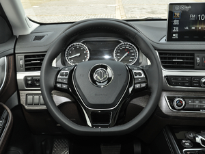 2018款1.5T CVT基本型 方向盘