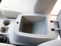 空间座椅菱智前排中央扶手