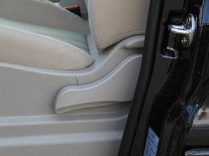 2018款M5L 1.6L 手动舒适型 9座 座椅调节