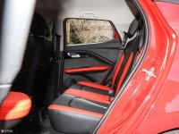 空间座椅易至EV3后排空间