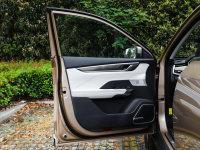 空间座椅威马EX5驾驶位车门