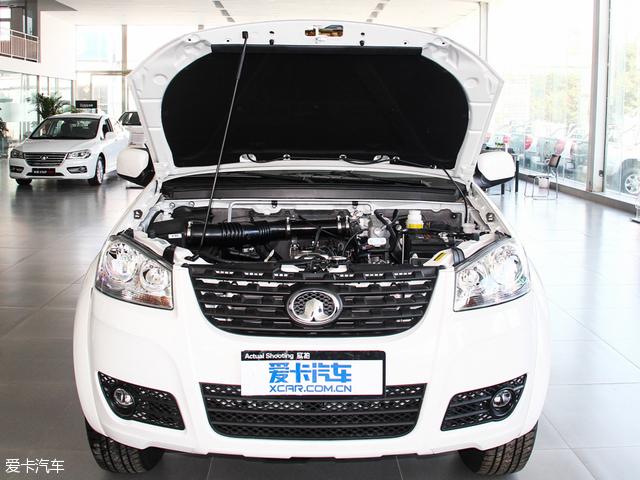 4l汽油与2.8t柴油发动机搭配的是5速手动变速箱
