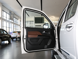 2018款2.4L 汽油四驱精英型4G69 前排座椅