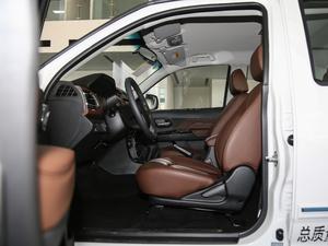 2018款2.4L 汽油四驱精英型4G69 前排空间