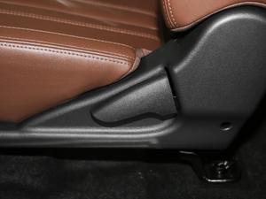 2018款2.4L 汽油四驱精英型4G69 座椅调节