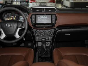2018款2.4L 汽油四驱精英型4G69 中控台