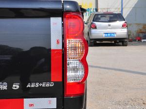 2018款欧洲版 2.0T 柴油两驱大双精英型4D20D 尾灯