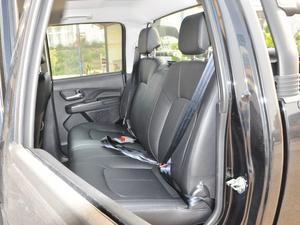 2018款欧洲版 2.0T 柴油两驱大双精英型4D20D 后排座椅