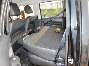2018款欧洲版 2.0T 柴油两驱大双精英型4D20D 后排座椅放倒