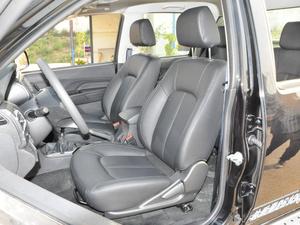 2018款欧洲版 2.0T 柴油两驱大双精英型4D20D 前排座椅