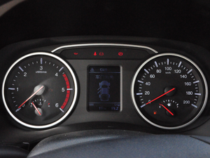 2018款欧洲版 2.0T 柴油两驱大双精英型4D20D 仪表