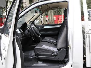 2018款单排1.5L 舒适版额载1015 前排空间