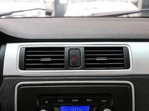 2018款单排1.5L 舒适版额载1015 空调出风口