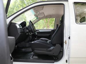 2018款1.5L 长轴精英版 额载745 前排空间