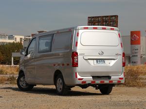 2018款1.5L 手动基本型平顶背掀门厢货 后侧45度