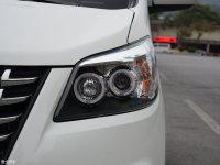 细节外观道达V8头灯