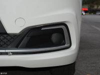 细节外观道达V8雾灯
