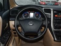 中控区道达V8方向盘