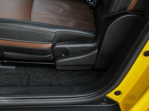 2017款引力版 座椅调节