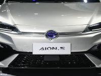 细节外观Aion S中网
