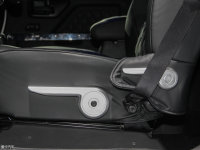 空间座椅战剑座椅调节