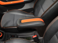空间座椅小蚂蚁eQ1前排中央扶手