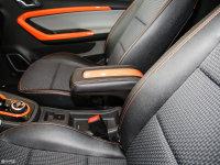 空間座椅小螞蟻eQ1前排中央扶手