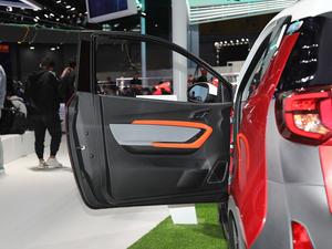 2019款基本型 驾驶位车门