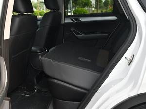 2019款2.0T 自动尊贵型 后排座椅放倒
