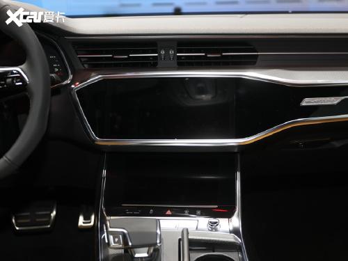2022款 奥迪A7L 55 TFSI quattro S-line 先行版+
