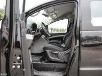 空间座椅瑞风M4前排空间