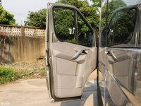 空间座椅星锐驾驶位车门