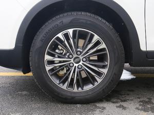 2018款超级版 251T 自动至尊型 5座 轮胎