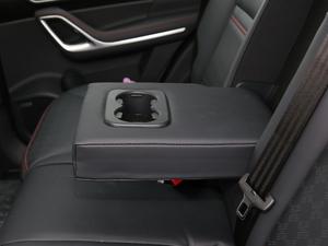 2018款超级版 251T 自动至尊型 5座 后排中央扶手