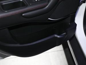 2018款1.6L CVT欧洲版 车门储物空间