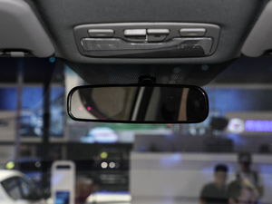 2018款1.6L CVT欧洲版 车内后视镜
