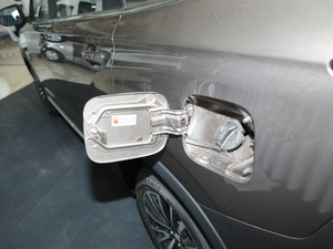2019款1.5T 手动智联型 油箱盖打开