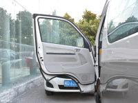 空间座椅大海狮驾驶位车门
