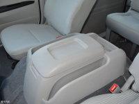 空间座椅大海狮前排中央扶手