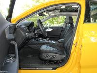 空间座椅奥迪A4L前排空间
