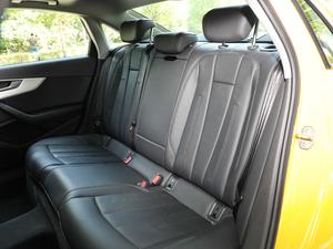 2018款30周年版 40 TFSI 运动型 后排座椅