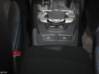 中控区奥迪Q2L e-tron驻车制动器
