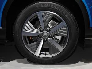 2019款基本型 轮胎