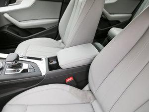2017款45 TFSI quattro 运动型 前排中央扶手