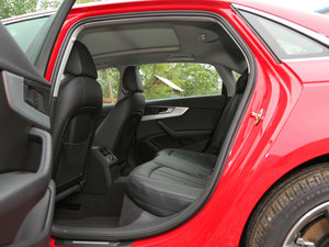 2017款45 TFSI quattro 运动型 后排空间