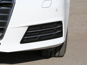 2017款40 TFSI 风尚型 雾灯
