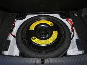 2017款40 TFSI 风尚型 备胎